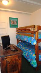 Virginia Beach cottage photo - Fourth Bedroom...Bunk Beds.