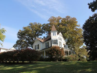 Yadkinville estate rental - THE OAKS