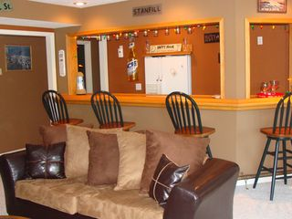 Sunrise Beach house photo - Lower Level Living Room & Bar