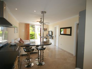 FANTASTIC OPEN-PLAN LIVING/KITCHEN AREA -2 BED.APT