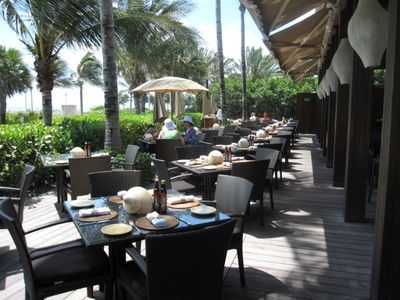 Miami Beach apartment rental - Poolside Restaurant
