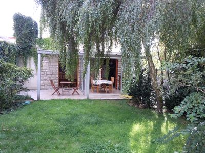 House with garden (July and August), 20 minutes from central Paris by RER A