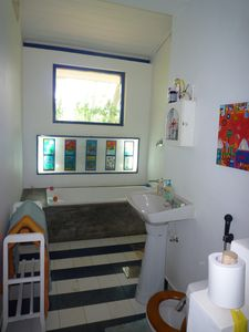 West Coast Sri Lanka house rental - Ground floor bathroom