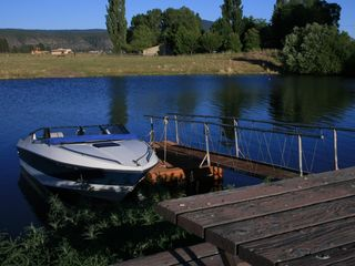 Klamath Falls cabin photo - Otter Point offers a private boat launch and dock.