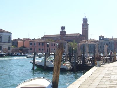 House on the lovely, peaceful island of Murano. Perfect for families, even with a dog