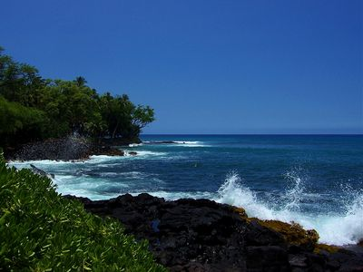 The coastline of the Big Island offers spectacular vistas.