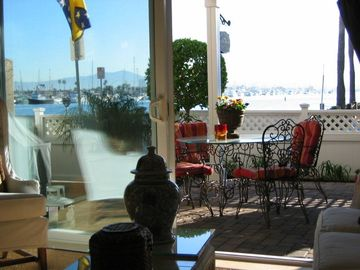 View from Casa 227 thru Courtyard to Bay/Beach