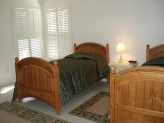 Sebastian house photo - The Green Guest Bedroom