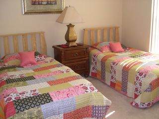 Beautiful twin room - Sunset Ridge villa vacation rental photo