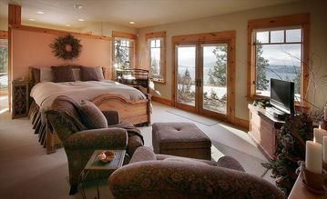 Bedroom with lake view