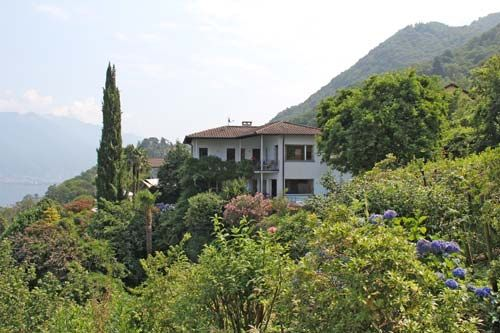 Peaceful house, close to the beach , San Nazzaro, Ticino