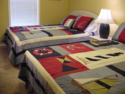 Bedroom with 2 Queen Beds