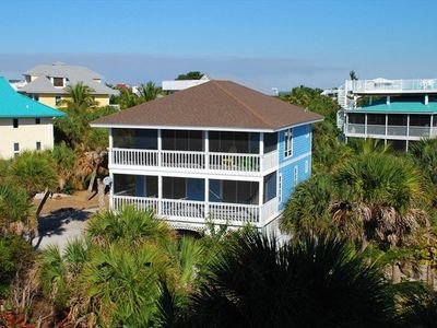 Florida Style - 3 Bedrooms on the first floor and living area on the second