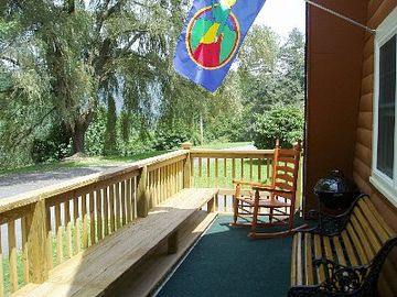 ~Three Large Rockers & A Child's Rocker on Front deck*Beautiful Mountain Views~