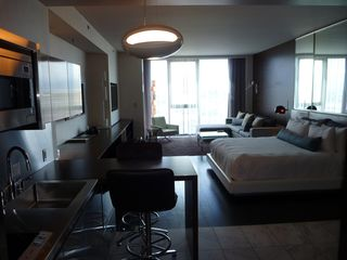 Palms Place Las Vegas   Be in the center of all the action Top Palms Place Vacation Rentals   VRBO. Palms Place Two Bedroom Suite. Home Design Ideas