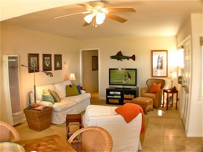 Comfy attractive beach-themed interior