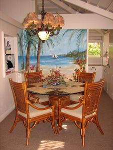 Enjoy island fruit at the dining table