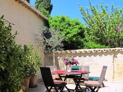 Centre of Medieval Uzes - Spacious Townhouse with 80m² Terrace - MAISON THEODORIT - 6 Guests