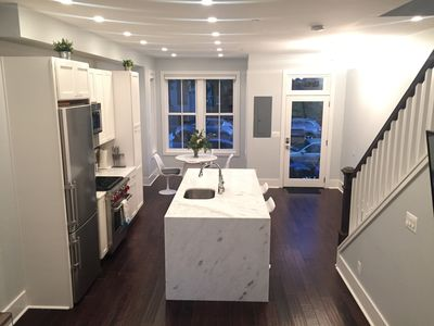 Luxury, Sunny, 4bd/3ba Close To Everything - Capital, Mall, Convention Center