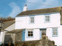 Fishermans cottage with private parking and stunning seaview