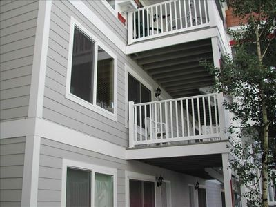 This deck has views of Main Street parades and the mountains.