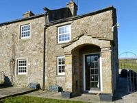 LOW LOCK SLACK COTTAGE, pet friendly in Langthwaite, Ref 62