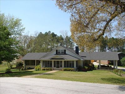 Beautiful Remodeled House for rent on Lake Wedowee