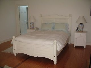 Upstairs bedroom with queen bed