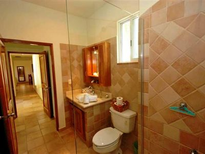 Playa del Carmen condo rental - Master bathroom.