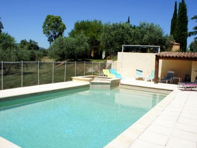 Provencal villa with pool on the slopes of the Luberon between Aix en Provence and Manosque