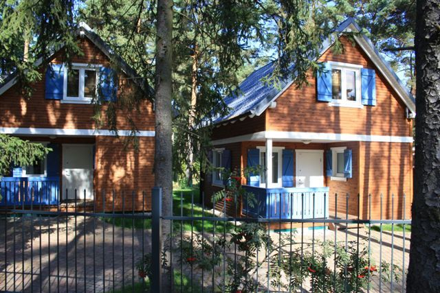 family friendly holiday house in Pobierowo, wireless, centrally located, 400m to the beach - drei Ferienhäuser CALYPSO  II