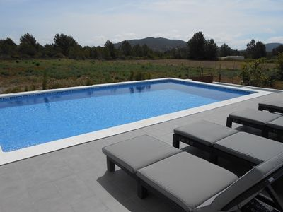 New and modern villa with swimming pool!