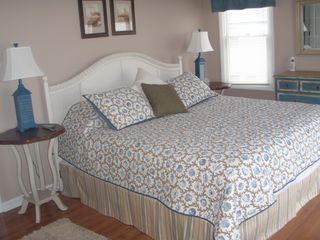 Emerald Isle cottage photo - Master suite