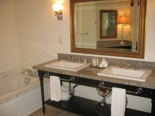 Isle of Palms condo photo - Luxurious Master Bath