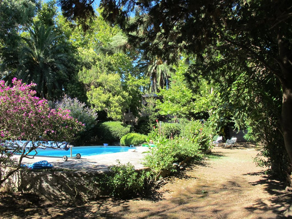 Peaceful apartment, with garden , Bastia