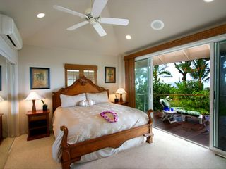 Haena house photo - The ocean front master suite