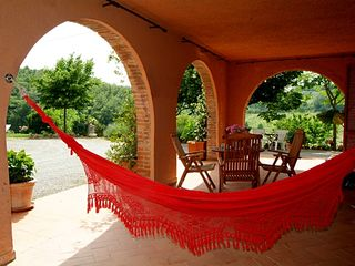 Chiusi villa photo - Villa: big porch, hammock and chairs, hills view