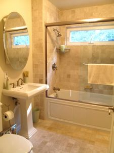 Studio City house rental - Spacious master bath with whirlpool jacuzzi bathtub.