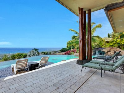 Private Infinity Pool with 180 degree Coastline Ocean Views and
