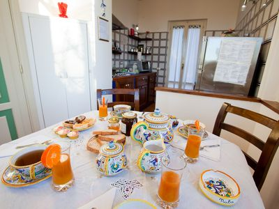 The breakfast table in the kitchen of del Pinturicchio villa rental in Umbria
