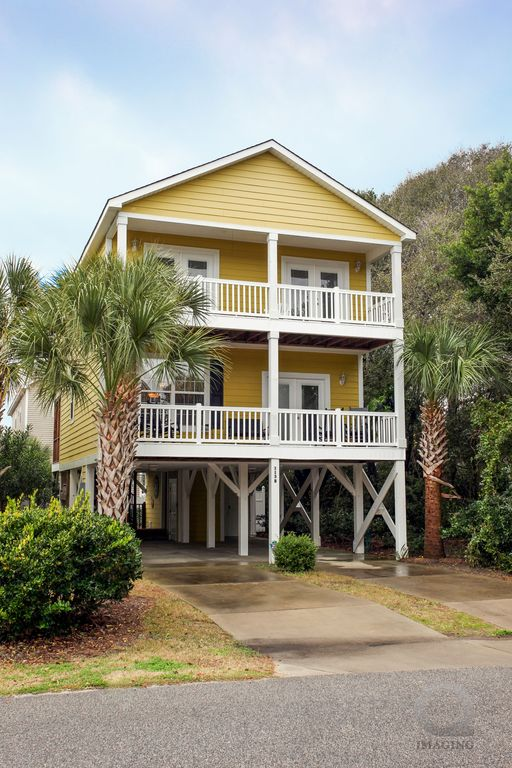Surfside beach house steps to beach homeaway for 9 bedroom beach house rental