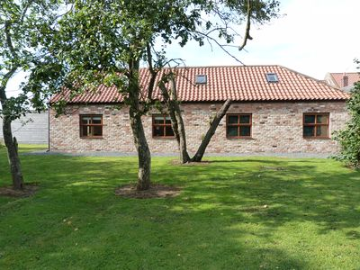 Barley Edge, Beautiful Barn Conversion, Sleeps 10, Grounds overlook Hornsea Mere