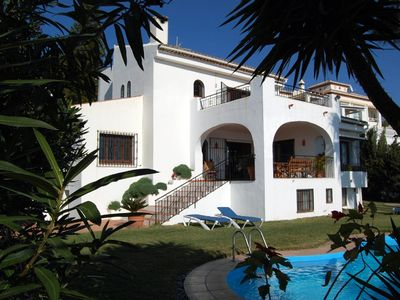 Spacious villa with private pool, sea view, garden, airco and Wifi