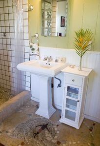 Nalu Kai Bathroom- all bathrooms are the same with a shower to enjoy!