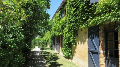 Domaine La Grangette a 16th Century property with luxury cottages and poo - Le Sanglier