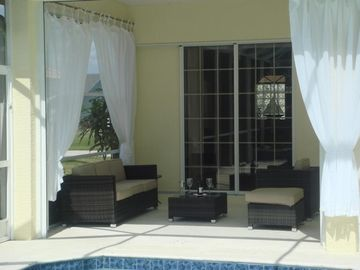 Villa White Ibis - outdoor with lounge area