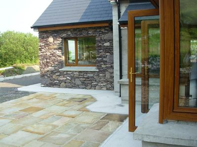 5 star holiday home overlooking Lough Currane Waterville with Free WiFi