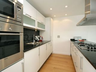 Putney & Wandsworth apartment photo - kitchen
