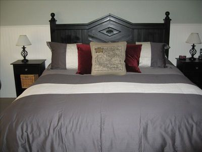 King Sized Bed-Master Bedroom #1-Both Masters have full bath & Jetted tubs 4
