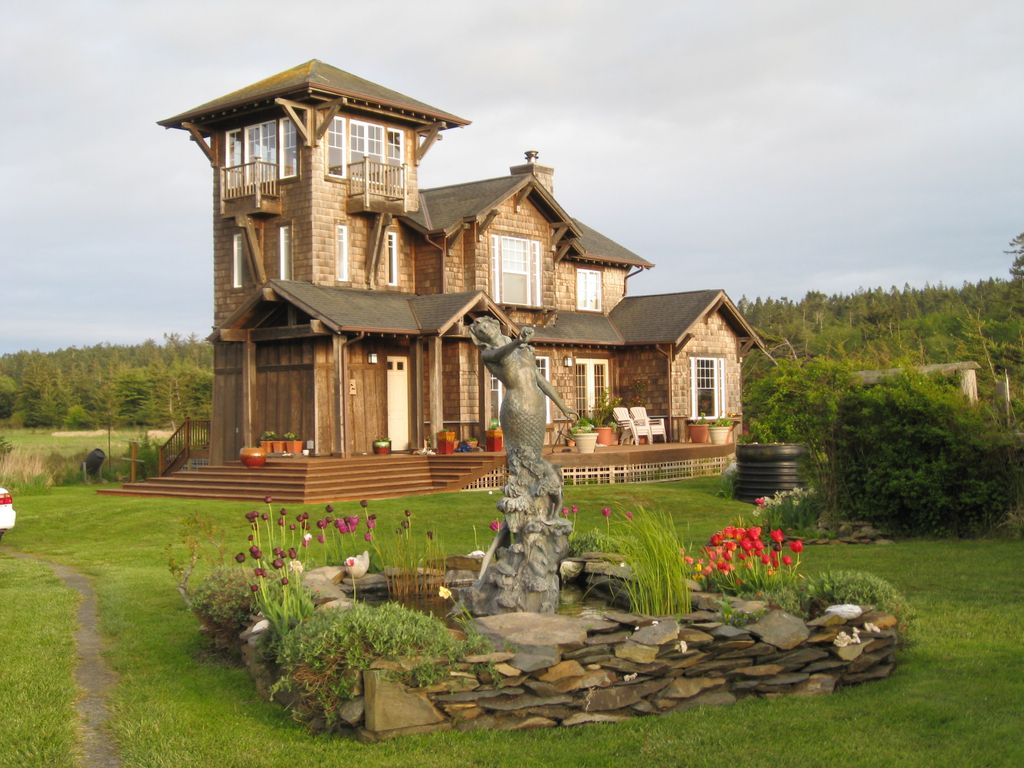 The tower house at agate beach vrbo for House plans with observation deck